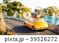 車 自動車 トランクのイラスト 39526272