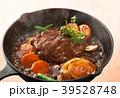 煮込みハンバーグ ハンバーグ 煮込み料理の写真 39528748