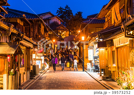 《京都府》二年坂・夜景 39573252