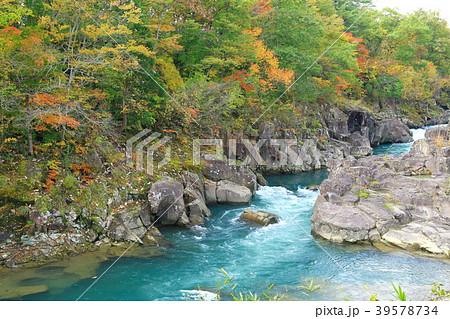 岩手県 厳美渓 紅葉景色 39578734