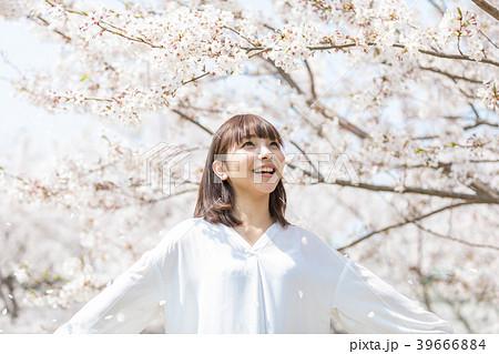 桜 女性 39666884