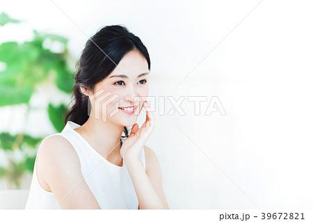 若い女性 ビューティー 39672821