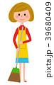 エプロンの女性 掃除 39680409