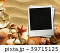 Picture frame on shells and sand background 39715125