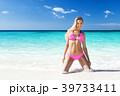 ビーチ 浜辺 ビキニの写真 39733411