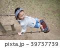 子供 女の子 公園の写真 39737739