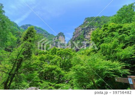 新緑の覚円峰(昇仙峡) 39756482