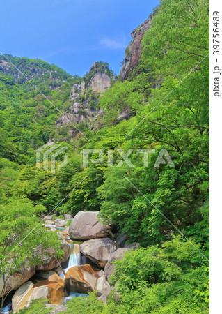 新緑の覚円峰(昇仙峡) 39756489