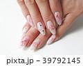 ネイルアート ネイルサロン 女性の写真 39792145