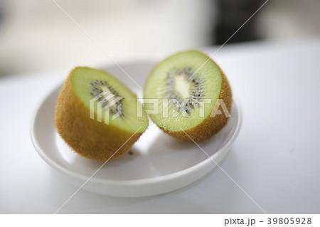 美味しそうに熟したキウィ perming写真素材 39805928