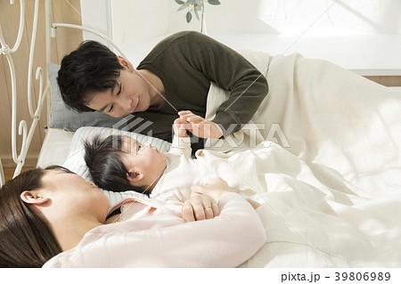 寝室の親子 39806989