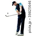 ゴルファー 白背景 切り抜きの写真 39825646