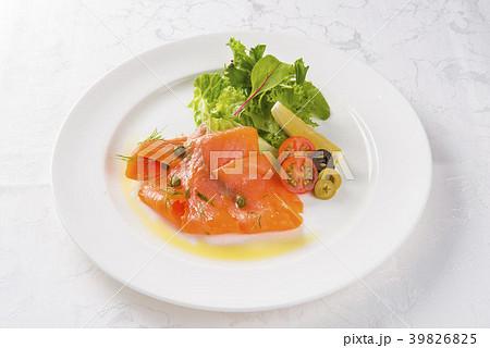 鮭のカルパッチョ 39826825