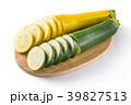 黄色と緑のズッキーニ 39827513