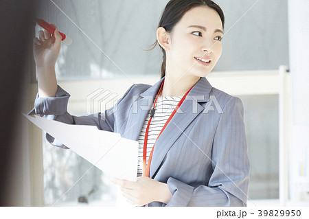 女性 ビジネスウーマン 39829950