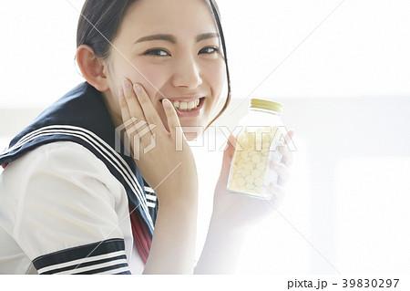 女子高生 ビューティー 39830297