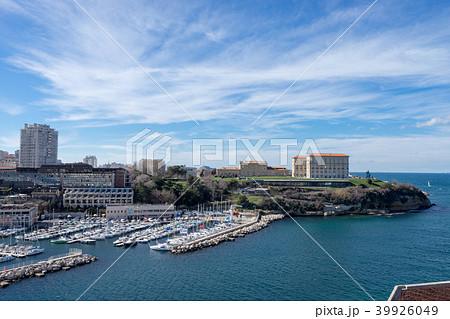 マルセイユ旧港とファロ宮殿 39926049
