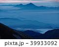 飯豊本山から見る未明の磐梯山 39933092