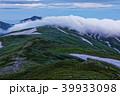 未明の飯豊本山から見る雲流れる大日岳 39933098