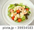 豆腐とエビのサラダ (横位置ハイアングル) 39934583