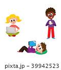 子供 PC コンピュータのイラスト 39942523