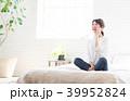 スマートフォン 電話 女性の写真 39952824