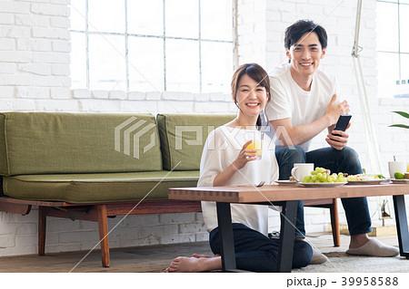 若い夫婦 39958588