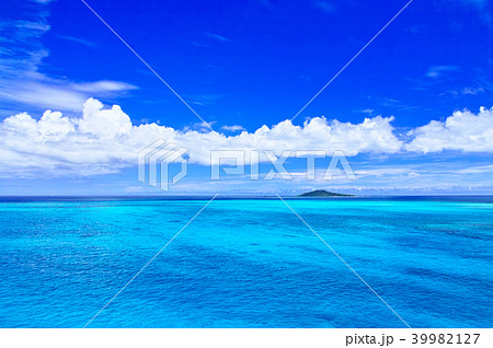 真夏の宮古島。池間大橋から見た風景 39982127