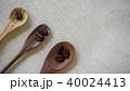 珈琲豆と三本のスプーン 40024413