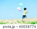 風船と子供 40038774