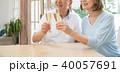 シニア 夫婦 乾杯 ワイン カップル イメージ 40057691