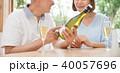 シニア 夫婦 乾杯 ワイン カップル イメージ 40057696