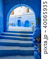 Arches and doors in blue city Chefchaouen 40065935