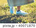 女性 散歩 歩くの写真 40071870