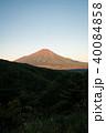 二十曲峠より望む赤富士 40084858