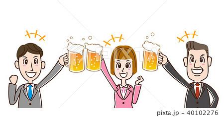 ビールで乾杯するサラリーマン 40102276