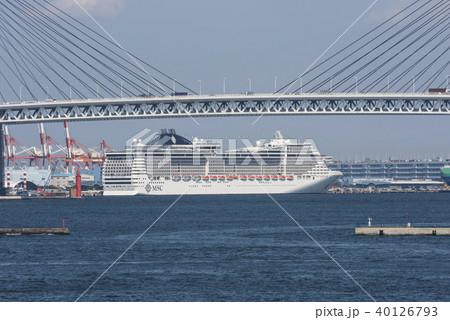 横浜港大黒ふ頭に停泊するMSCスプレンディダ 40126793