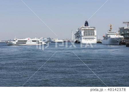 横浜港山下ふ頭に停泊するノルウェージャンジュエル 40142378