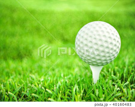 Golf ball on tee ready to play shot 40160483