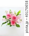 フラワーアレンジメント スズラン バラの写真 40170658