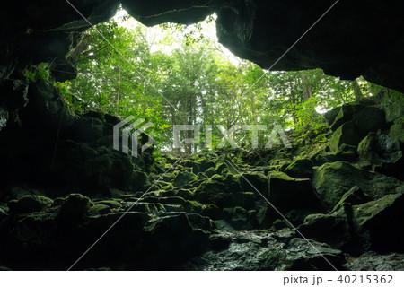 駒門風穴、富士山の麓 40215362