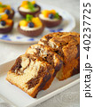 パウンドケーキとマンゴータルトレット(縦位置) 40237725