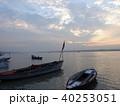 バラナシ 船 朝の写真 40253051