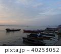 バラナシ 船 朝の写真 40253052