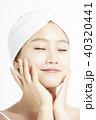 女性 若い女性 化粧品の写真 40320441