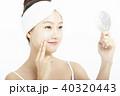 女性 アジア人 化粧品の写真 40320443