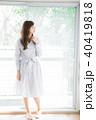 女性 人物 窓の写真 40419818