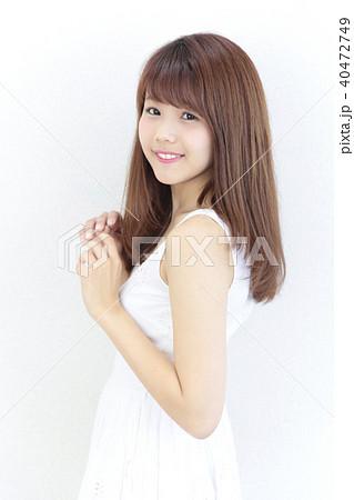若い女性 ヘアスタイル 40472749