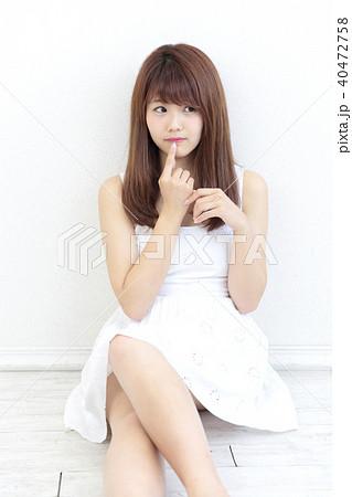 若い女性 ヘアスタイル 40472758