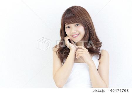 若い女性 ヘアスタイル 40472768